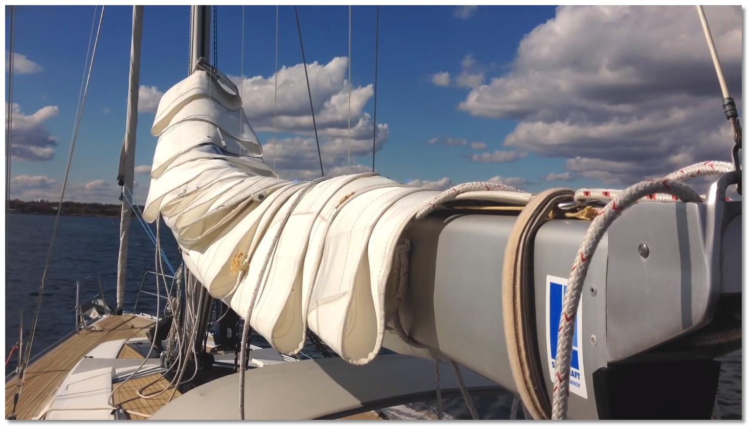 eOceanic - Mainsail furling made easy
